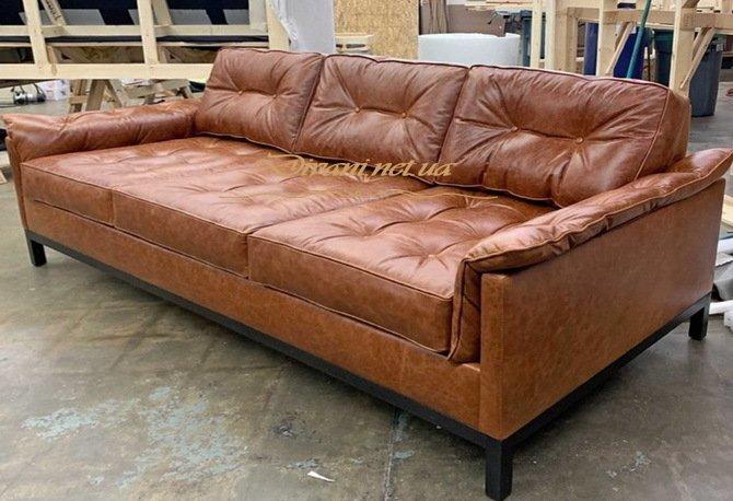коженный прямой диван