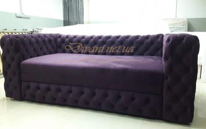 сиреневый диван с каретной стяжкой