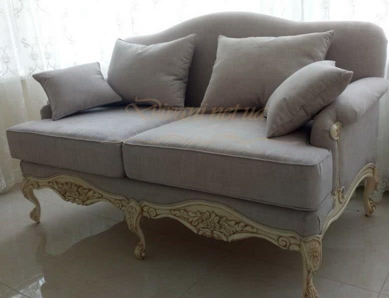 прямой диван на заказ с подушками