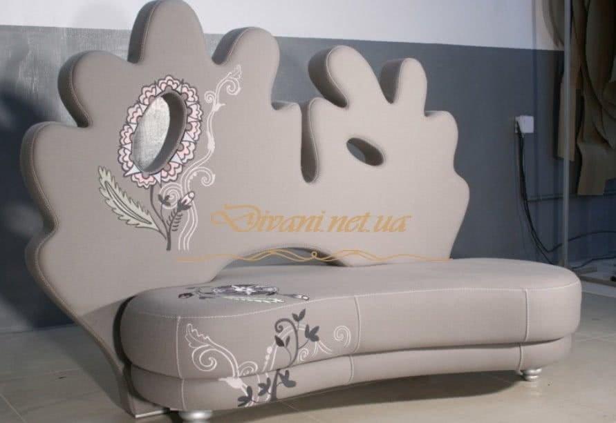 диван необычной формы
