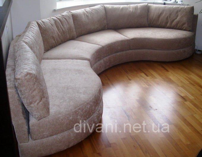 закругленная мягкая мебель