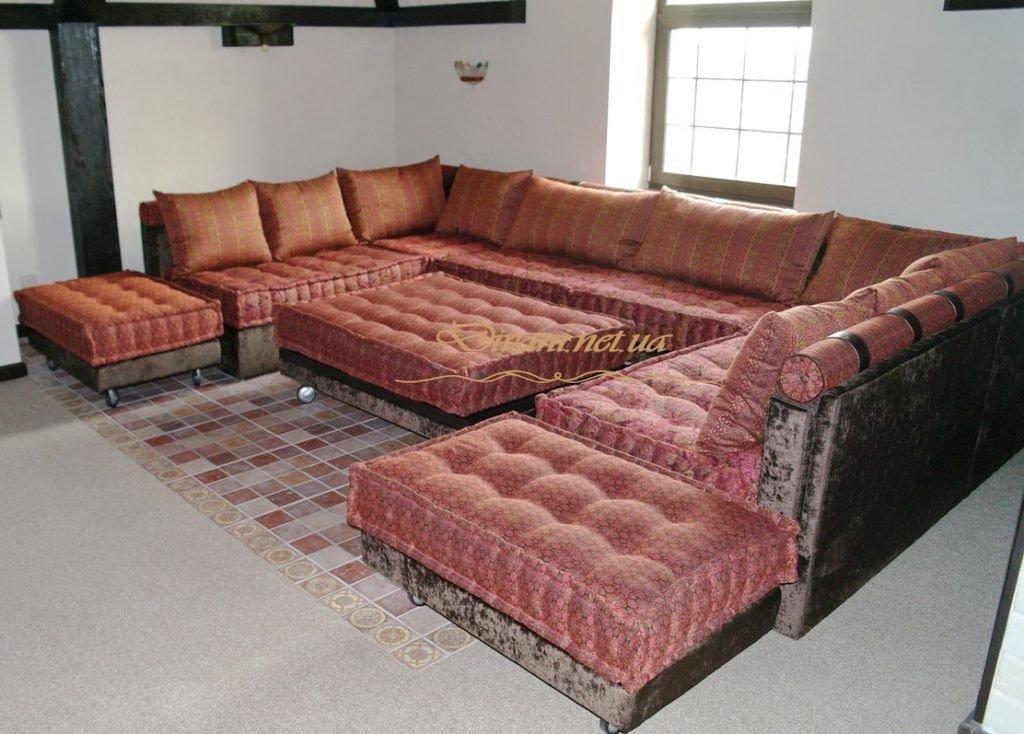 красный п-образный диван