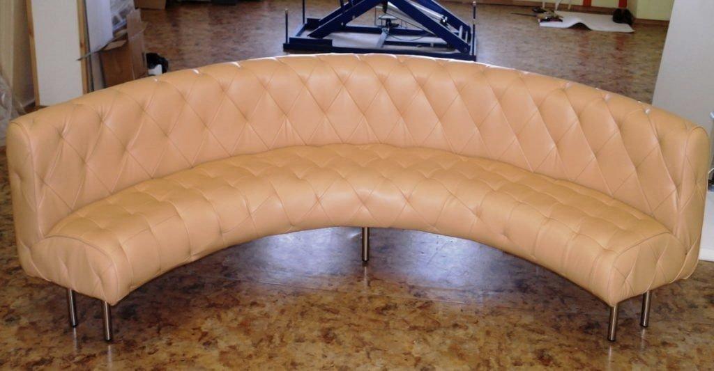радиусный классический диван