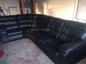 синий темный диван