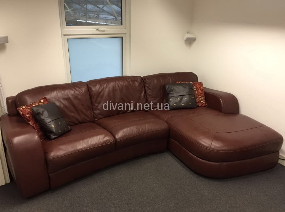 темно коричневый диван