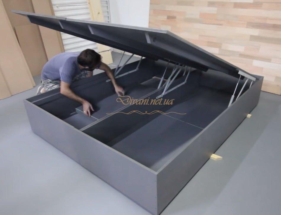 подиум с подъемным механизмом под матрац