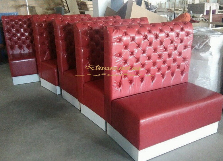 красные диваны честер для кафе
