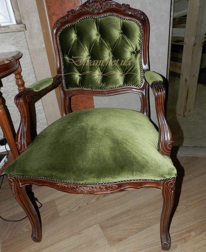 кресло честер зеленого цвета