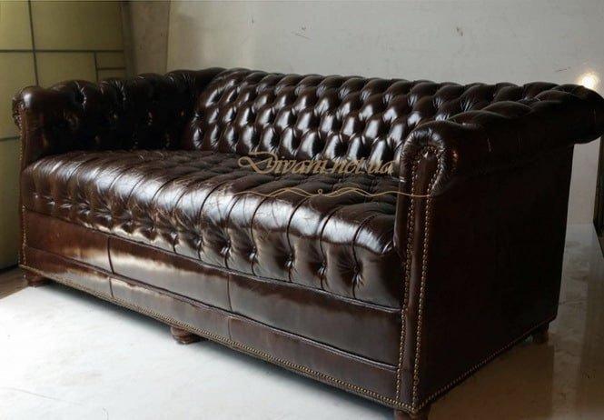 коричневый диван честер