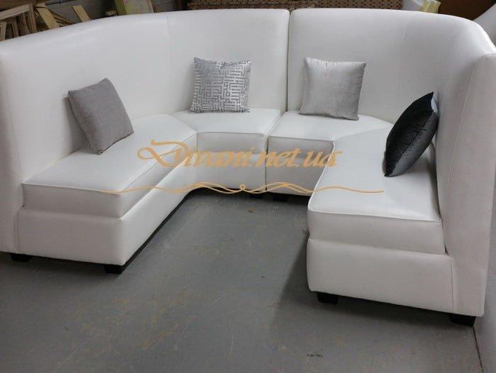Эркерный диван в кухню на заказ