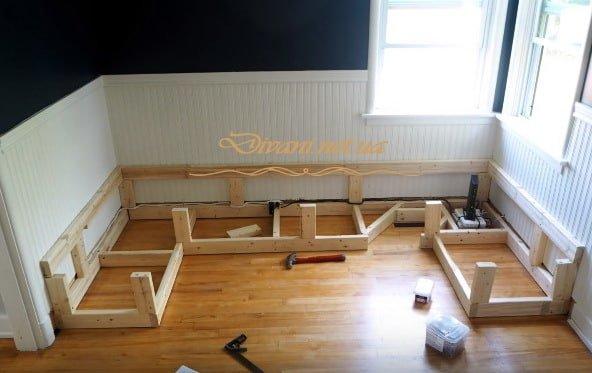 изготовление эрерной деревянной мебели под заказ
