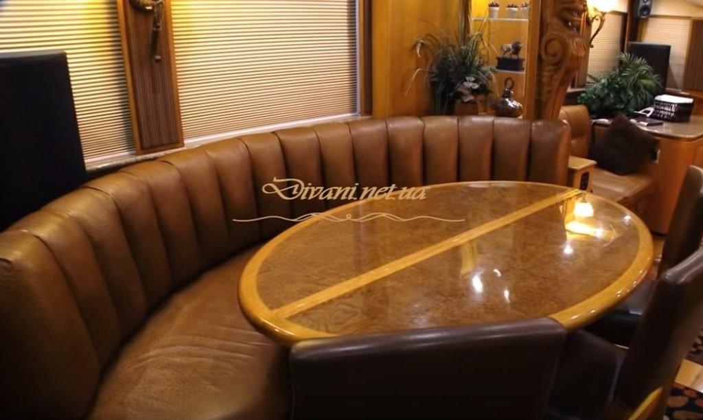 круглый диван для трейлера на заказ
