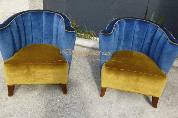 желто синие кресла