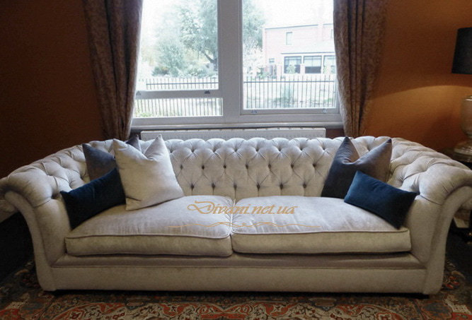 белый диван под окно выжгород