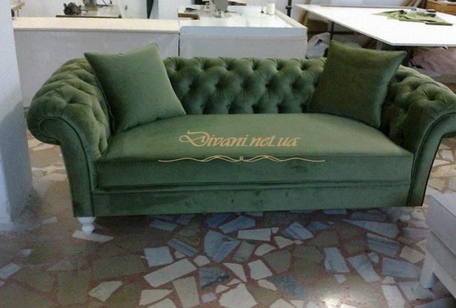 зеленый угловой диван с каретной стяжкой