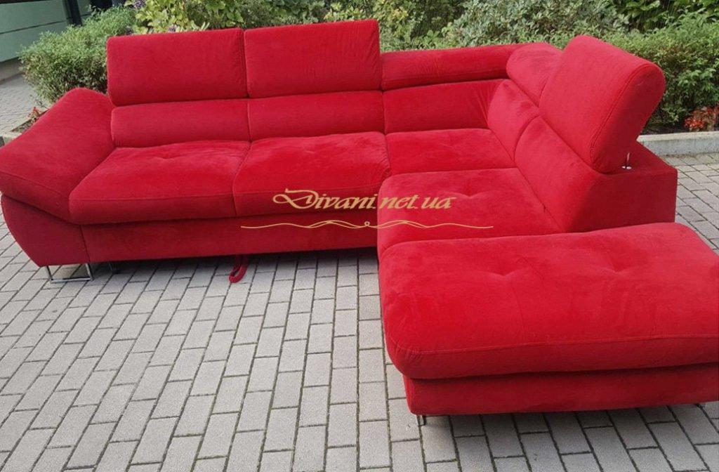 большой красный авторский диван
