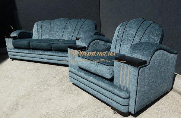 прямой синий диван с креслом