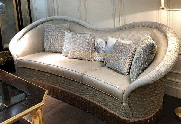 прямой диван с закругленной спинкой