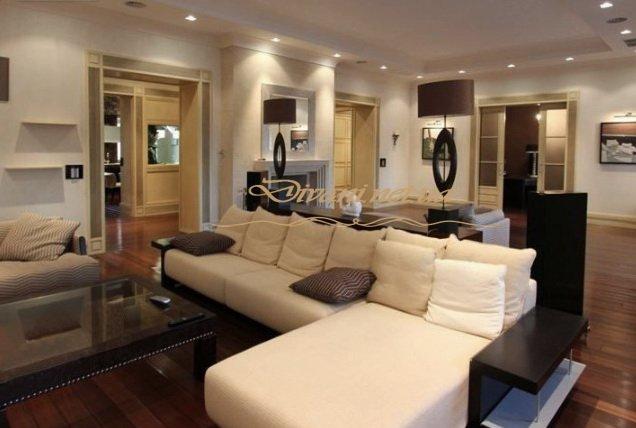 большой белый угловой диван в гостиную на заказ