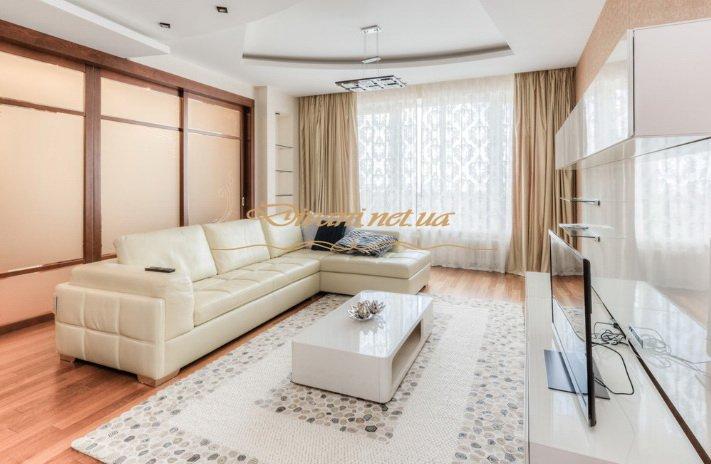 заказной диван в гостиную со спальным местом белого цвета