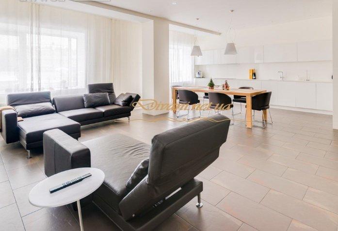 эксклюзивная мягкая мебель в гостиную с реклайнером