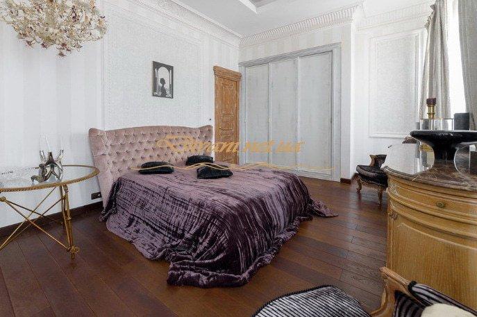 кровать с каретной стяжкой
