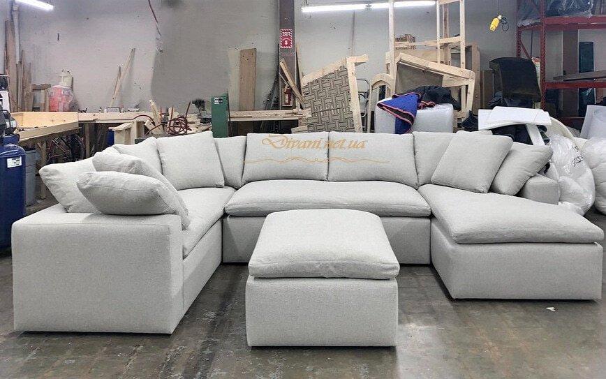 бвелый угловой диван с пуфиком на заказ