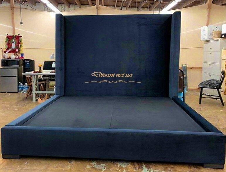 кровать на заказ по индивидуальному проекту в эпицентре