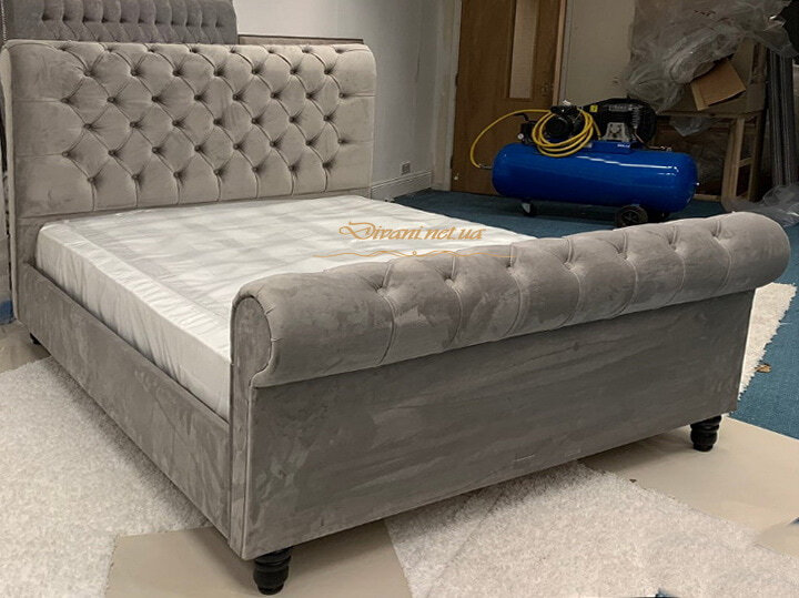 большие кровати в итальянском стиле