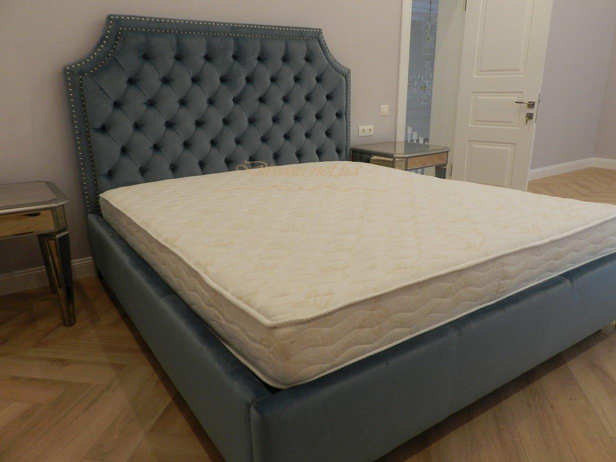 кровать ан заказ в классическом стиле фото