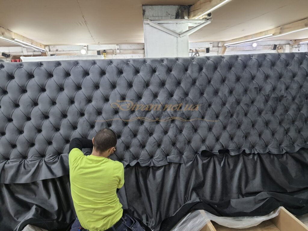 Индивидуальный заказ диванов в стиле хай-тек в Киеве