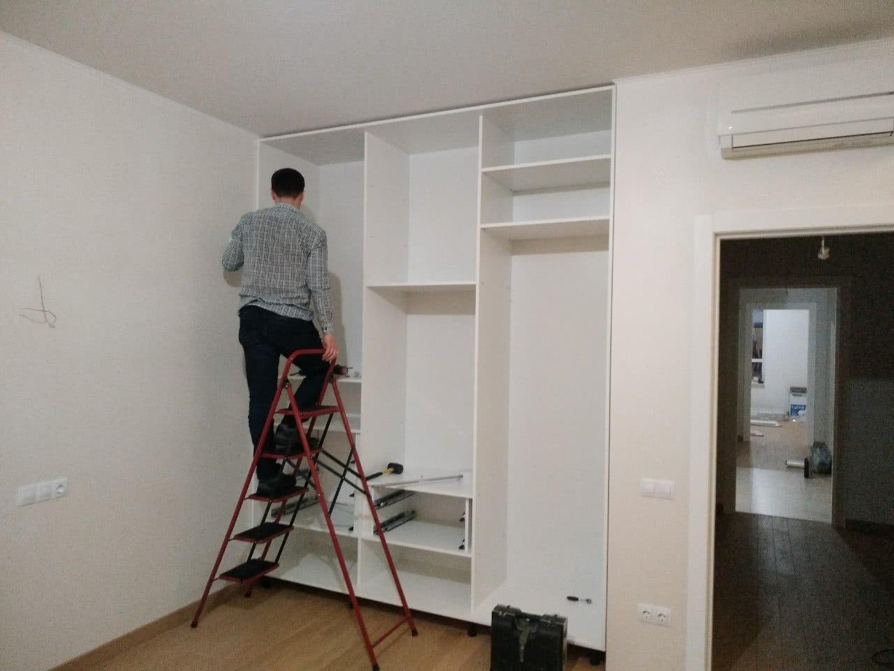 заказать услуги сборщиков мебели центр