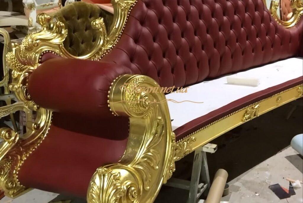 крассный классический диван на заказ